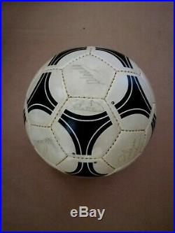 1984 85 Ball liga Oficial fifa Tango Adidas questra Madrid signed R Madrid 84 85