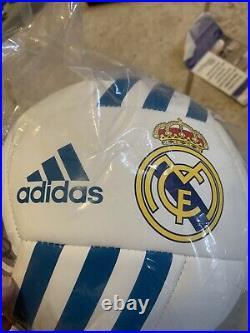 Christiano ronaldo autographed soccer ball. Beckett coa. Rare! Perfect