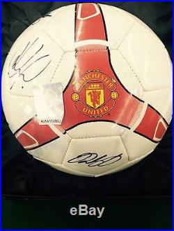Manchester United Signed Official Soccer Ball by 11 Players With Certificate