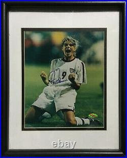 Mia Hamm signed USA World Cup 8x10 Celebration photo framed auto Steiner holo