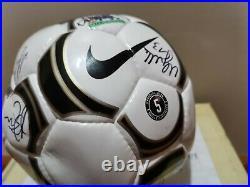 Socceroos Team Signed FFA Tim Cahill 2004 Qantas Soccer Nike FIFA Ball World CUP