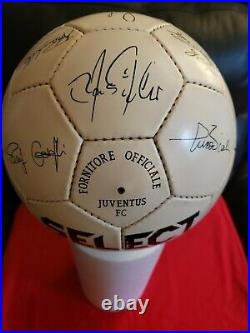Vintage Juventus F. C 1992/1993 select signed ball, great condition